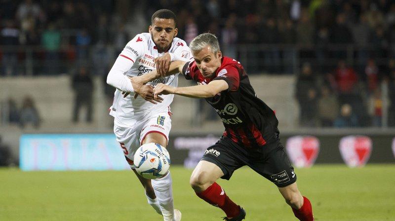 Football: mauvaise opération pour Xamax dans le derby de la peur face à Sion, Zurich se donne de l'air, Bâle déroule