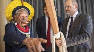 Genève soutientle chef indien Raonicontre Bolsonaro et veut la pression de Berne