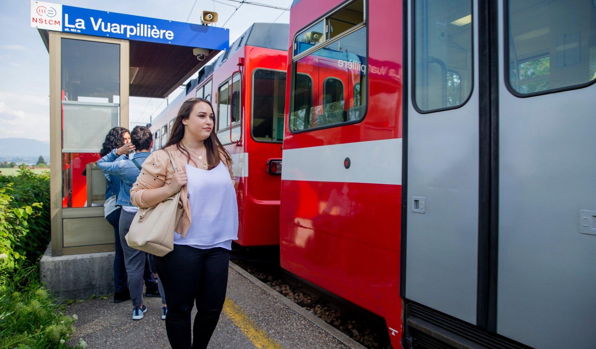 Yasmine Moura a appris à apprécier ses longs trajets ferroviaires.
