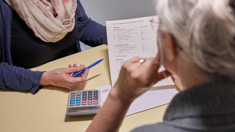 En Suisse, un pensionnaire d'un EMS sur deux doit avoir recours aux prestations complémentaires pour payer son hébergement (illustration).