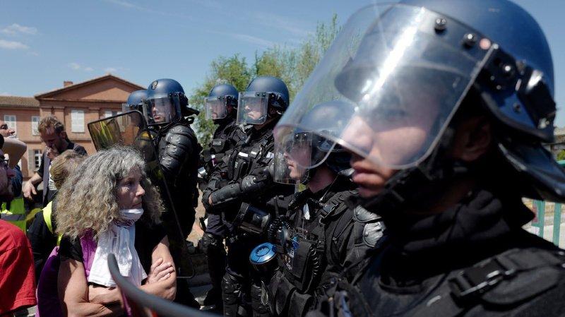 """De Marseille à Saint-Malo, les """"gilets jaunes"""" à nouveau mobilisés"""