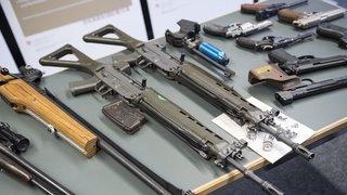 Armes à feu: dès le 15 août, il sera plus difficile d'acheter une arme semi-automatique