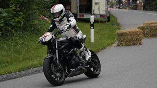 moto020_web