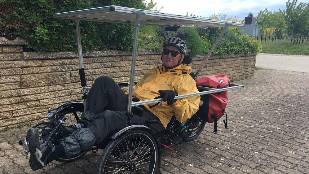 Jean-Marie Volluz a mis huit mois pour construire son vélo solaire.