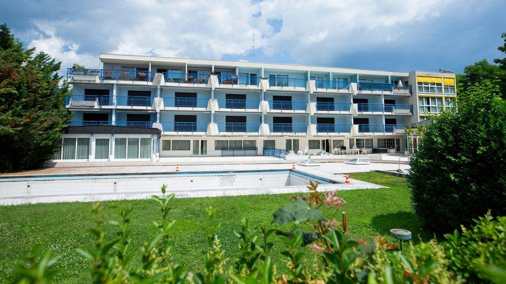 L'hôtel Rivesrolle est inexploité depuis 2001. Le concierge qui s'en occupait depuis 2016 a été licencié avec effet immédiat en mars.