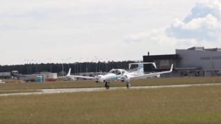Allemagne: un avion de tourisme a atterri pour la première fois en complète autonomie