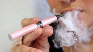 Santé: les vapoteurs diminuent leur consommation de tabac mais rechutent plus souvent