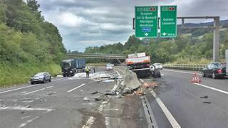 Vevey: chaos sur l'A12 à cause d'un camion