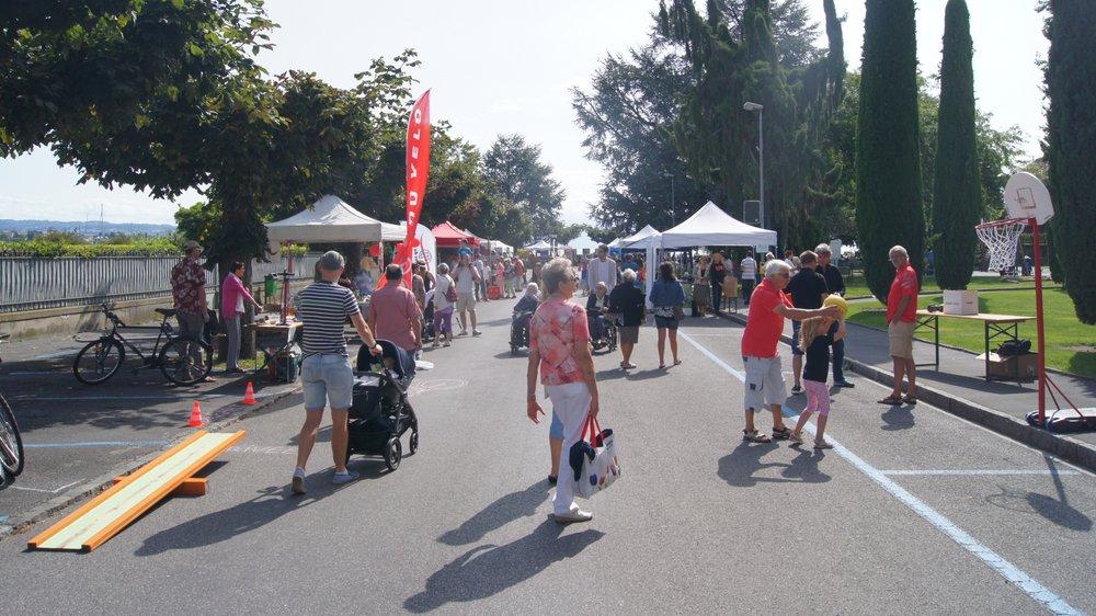Les stands des associations locales vont habiller les quais morgiens, le dimanche 25 août.