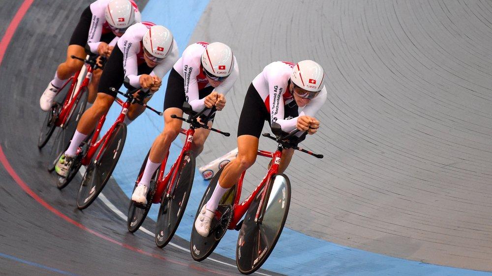 Robin Froidevaux emmène dans son sillage l'équipe de poursuite lors des Championnats d'Europe espoirs.