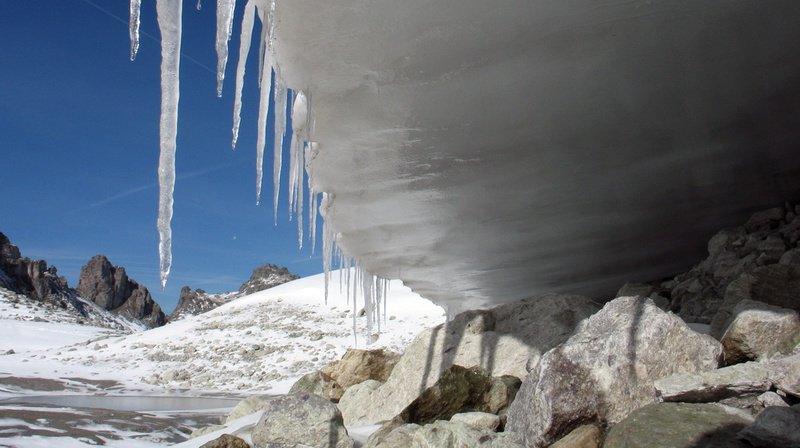 Réchauffement climatique: les petits glaciers de Suisse orientale disparaissent
