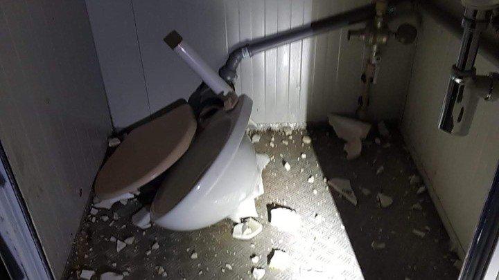 Rolle: toilettes et fontaine n'ont pas résisté au 1er Août