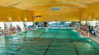 Bassins: une décision drastique pour remettre la piscine à flot