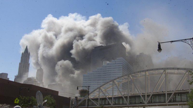 Le nuage toxique planant sur New York a fait de nombreuses victimes.