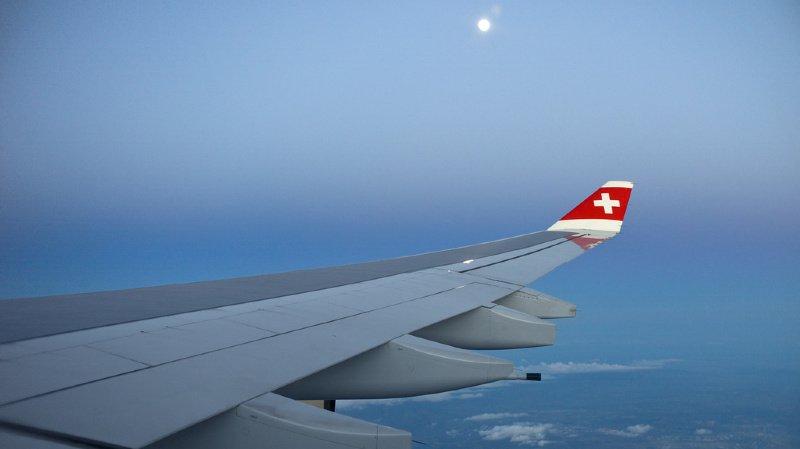 France: un avion Swiss reliant Genève à Londres perd des pièces de moteur en plein vol