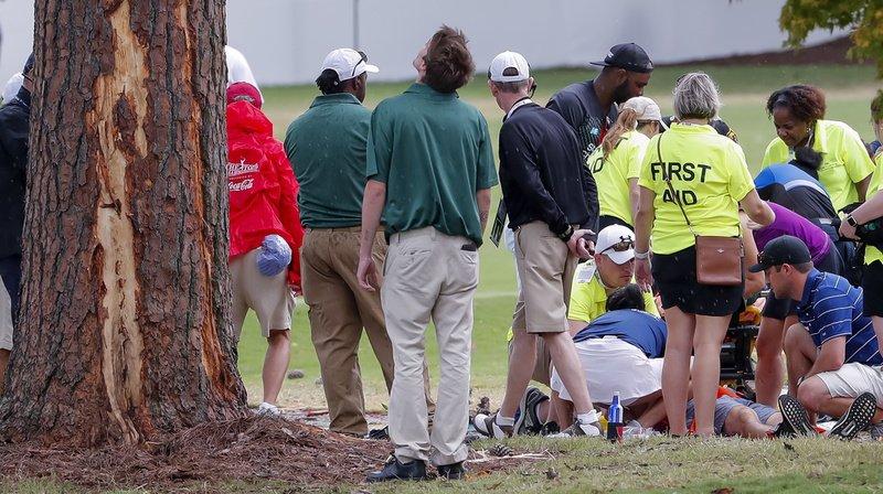 Quatre spectateurs ainsi que deux autres personnes ont été soignées sur place avant d'être hospitalisées.