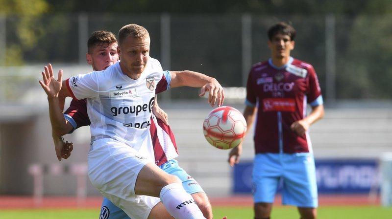 Neuchâtel Xamax poursuit son parcours en Coupe suisse grâce à des buts de Karlen et Ramizi.