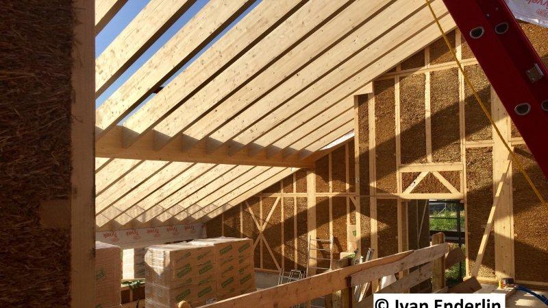 Visite d'un chantier d'une maison en paille