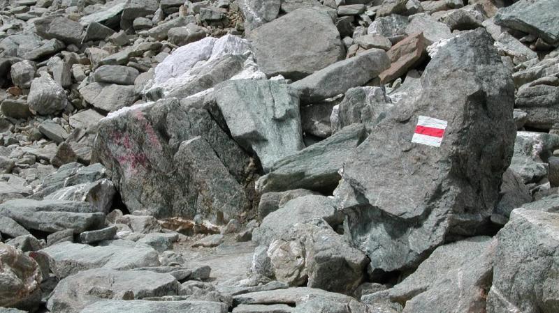 Accidents de montagne: le balisage et les panneaux ne sont pas assez connus des randonneurs