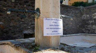 Contrairement aux autres, Nyon n'économise pas l'eau de ses fontaines