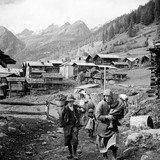 """""""Raconte-moi l'histoire du Valais et la tienne, avec des photographies"""""""