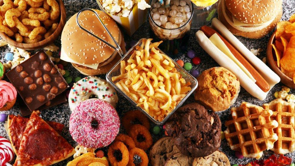 La consommation de sucre et de gras, spécialement les graisses animales, provoque le diabète.