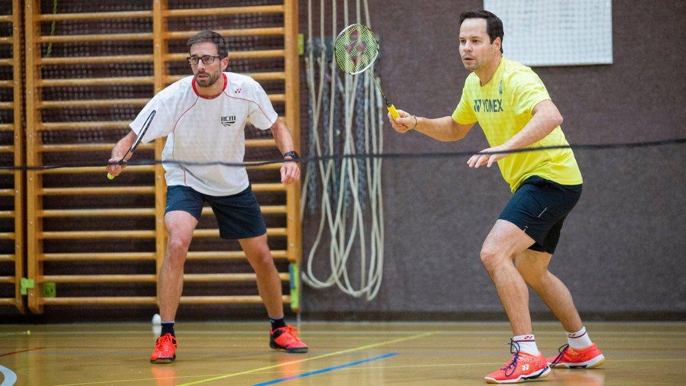 Les Morgiens Philippe Gabella (en jaune) et Raphaël Lienhard (en blanc) ont craqué en demi-finale.