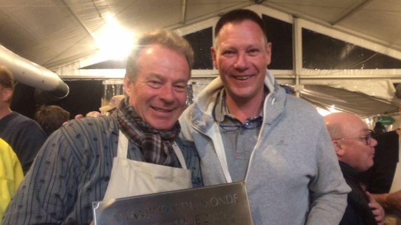 Christian Maillardet et Daniel Villard ont préparé une fondue exceptionnelle.