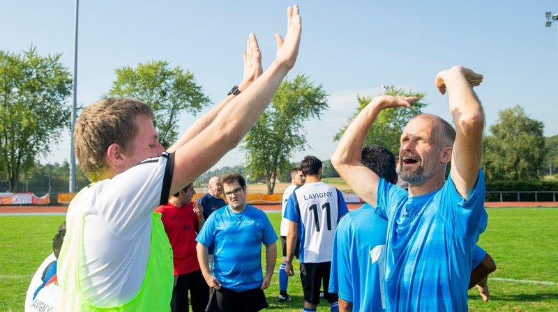 L'association Seven, qui organise un tournoi de pétanque, natation et football à Colovray, a reçu 20 000 francs.