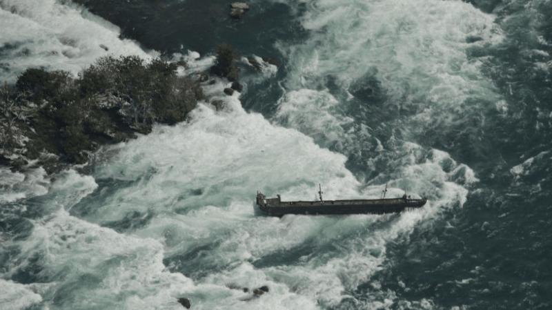 Le bateau est un élément emblématique des chutes du Niagara, après s'être coincé dans les roches du côté canadien en 1918.
