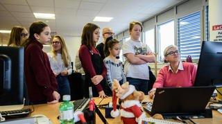 JOM 2019: sept enfants en visite au journal La Côte