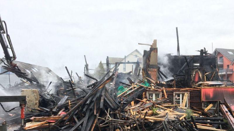 Dimanche dernier, une ancienne ferme avait été totalement détruite par les flammes.