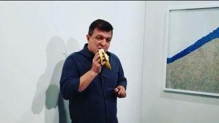 Art Basel Miami: un artiste mange la fameuse banane à 120'000 francs