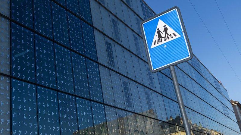 250 panneaux de signalisation féminisés à Genève, une première suisse