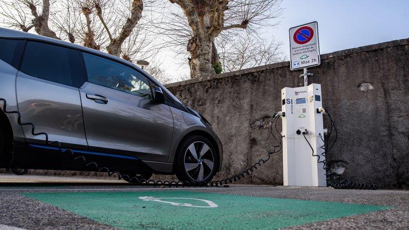 Peut-on stationner impunément sur une place pour voitures électriques?