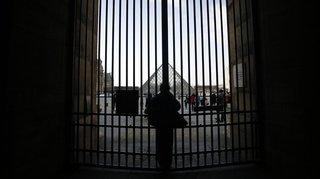 Grèves en France: le Louvre fermé par un blocage