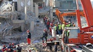 Turquie: le bilan s'alourdit, ultimes fouilles des décombres